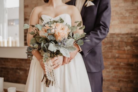 Top 10 most popular flowers for weddings and why.